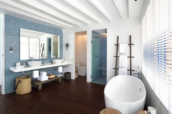 insel-seite-como-cocoa-island-zimmer-loft-water-villa-03