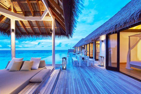 insel-seite-como-maalifushi-maalifushi-water-villa-deck-day-Maledivenexperte