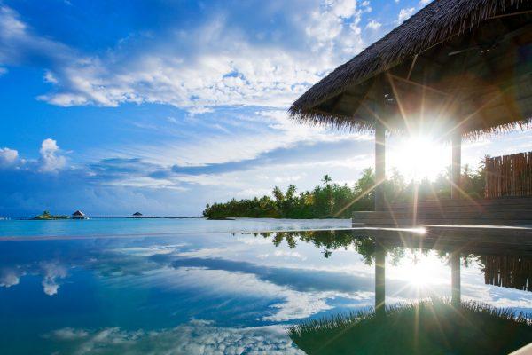 insel-seite-como-maalifushi-water-villa-pool-01-Maledivenexperte