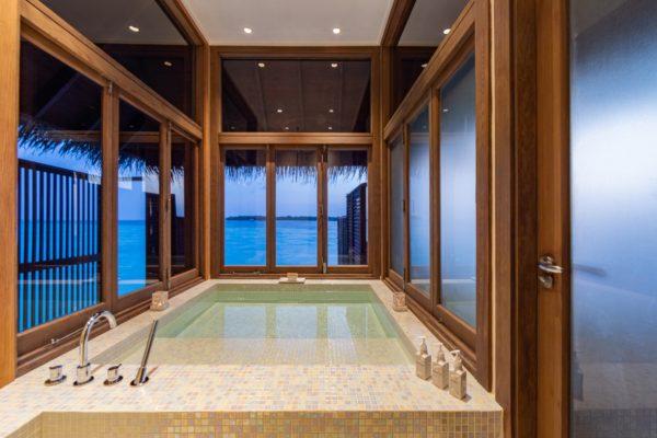 insel-seite-conrad-maldives-rangali-island-2BR-grand-beach-villa-jacuzzi-05-Maledivenexperte