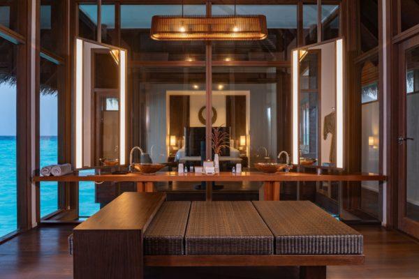 insel-seite-conrad-maldives-rangali-island-2BR-grand-beach-villa-jacuzzi-06-Maledivenexperte