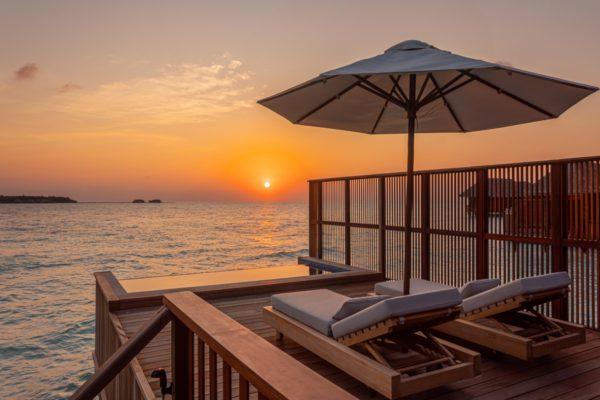 insel-seite-conrad-maldives-rangali-island-2BR-grand-beach-villa-pool-07-Maledivenexperte