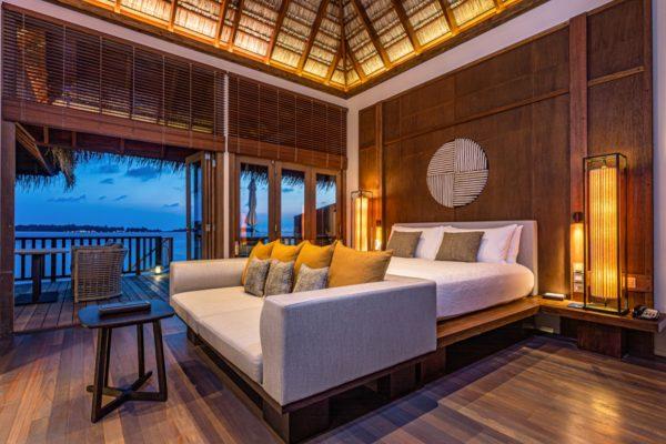 insel-seite-conrad-maldives-rangali-island-2BR-grand-beach-villa-pool-10-Maledivenexperte
