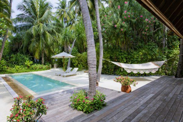 insel-seite-conrad-maldives-rangali-island-beach-suite-pool-03-Maledivenexperte