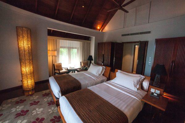 insel-seite-constance-halaveli-maldives-double-storey-beach-villa-01-Maledivenexperte