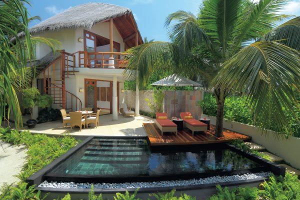 insel-seite-constance-halaveli-maldives-double-storey-beach-villa-04-Maledivenexperte