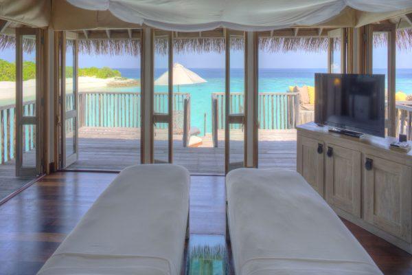 insel-seite-gili-lankanfushi-family-villa-2nd-bedroom-Maledivenexperte