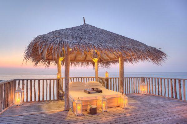 insel-seite-gili-lankanfushi-family-villa-terrace-Maledivenexperte