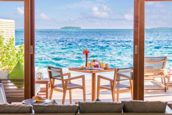 insel-seite-hurawalhi-ocean-pool-villa-interior-01-Maledivenexperte