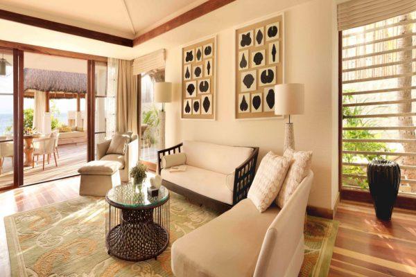 insel-seite-jumeirah-vittaveli-beach-suite-living-room-03-Maledivenexperte