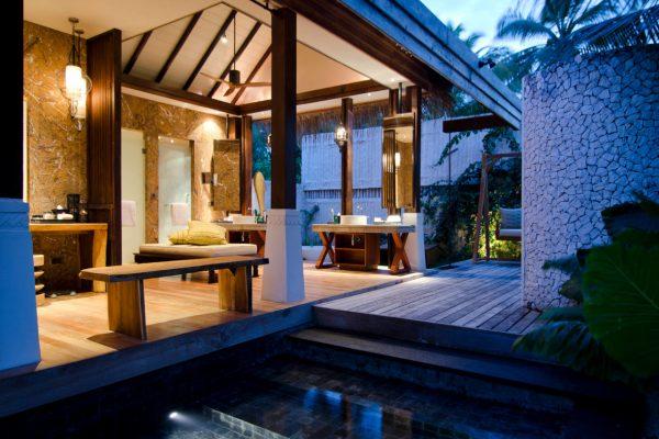 insel-seite-jumeirah-vittaveli-beach-villa-bathroom-01-Maledivenexperte