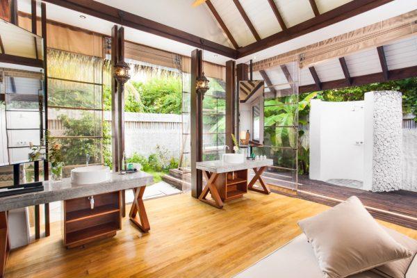 insel-seite-jumeirah-vittaveli-beach-villa-bathroom-03-Maledivenexperte