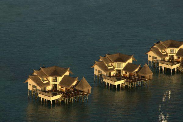 insel-seite-jumeirah-vittaveli-ocean-suite-04-Maledivenexperte