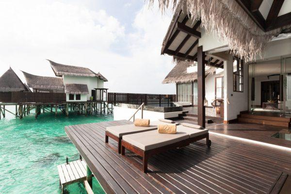 insel-seite-jumeirah-vittaveli-ocean-suite-with-pool-exterior-terrace-Maledivenexperte