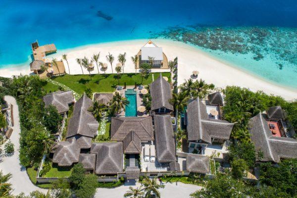 insel-seite-jumeirah-vittaveli-royal-residence-aerial-01-Maledivenexperte