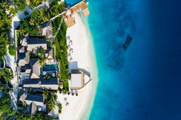 insel-seite-jumeirah-vittaveli-royal-residence-aerial-02-Maledivenexperte