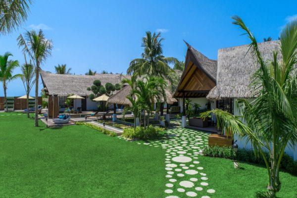 insel-seite-jumeirah-vittaveli-royal-residence-garden-view-Maledivenexperte