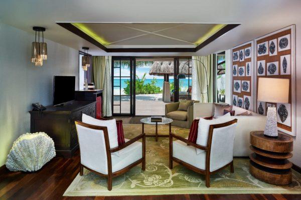 insel-seite-jumeirah-vittaveli-royal-residence-guest-house-livingroom-Maledivenexperte