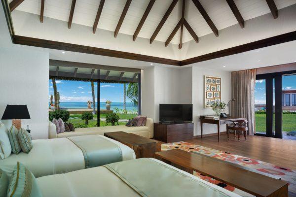 insel-seite-jumeirah-vittaveli-royal-residence-guest-villa-twinbeds-01-Maledivenexperte