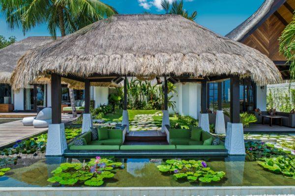 insel-seite-jumeirah-vittaveli-royal-residence-sunken-lounge-01-Maledivenexperte