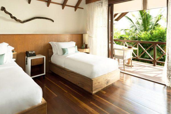insel-seite-jumeirah-vittaveli-two-bedroom-beach-suite-second-bedroom-Maledivenexperte