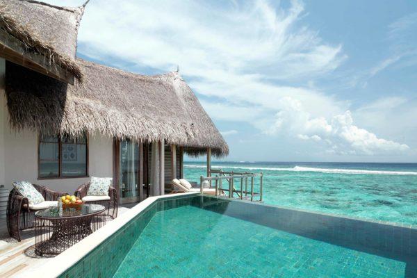insel-seite-jumeirah-vittaveli-water-villa-private-pool-01-Maledivenexperte