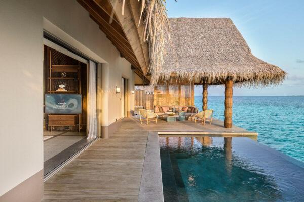 insel-seite-maledivenexperte-joali-maldives-zimmer-luxury-water-villa-with-pool-03