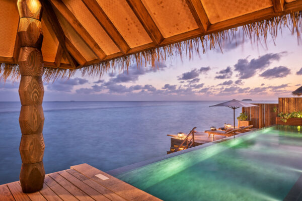 insel-seite-maledivenexperte-joali-maldives-zimmer-sunset-luxury-water-villa-with-pool-02
