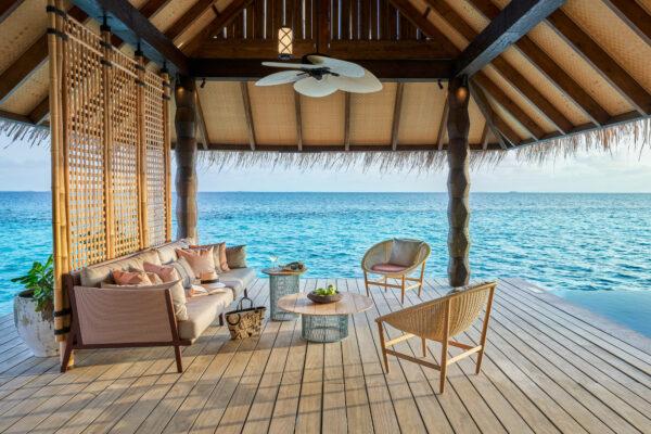 insel-seite-maledivenexperte-joali-maldives-zimmer-sunset-luxury-water-villa-with-pool-03