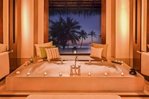 insel-seite-one&only-reethi-rah-beach-villa-bathroom-Maledivenexperte