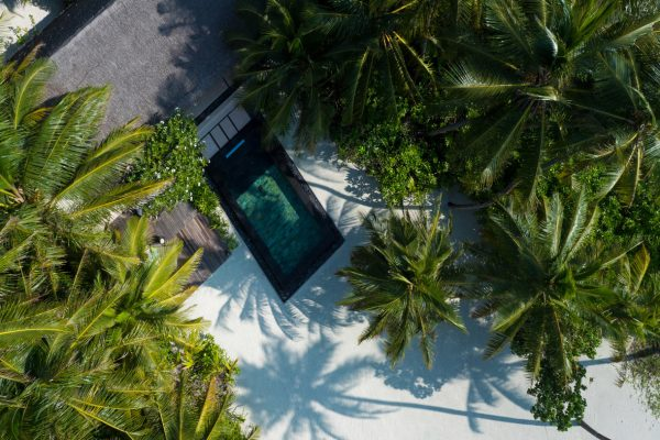 insel-seite-one&only-reethi-rah-beach-villa-with-pool-aerial