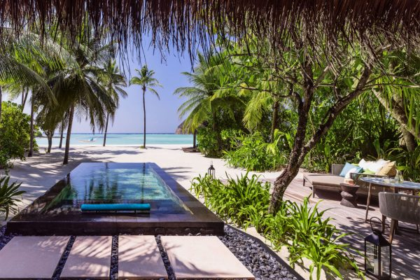 insel-seite-one&only-reethi-rah-beach-villa-with-pool-private-pool-Maledivenexperte