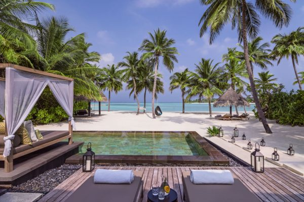 insel-seite-one&only-reethi-rah-grand-beach-villa-private-pool-Maledivenexperte
