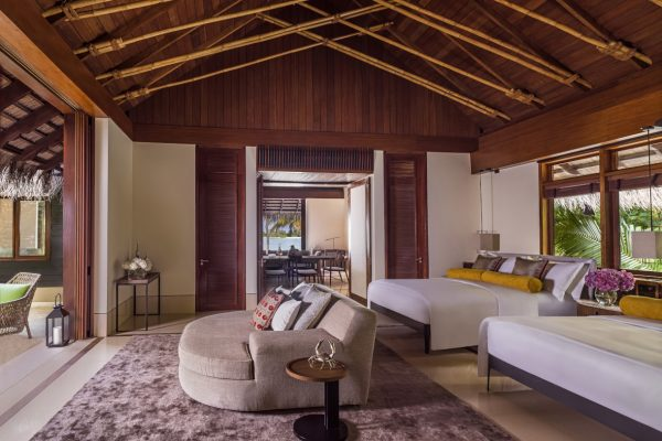 insel-seite-one&only-reethi-rah-grand-beach-villa-secondary-bedroom-Maledivenexperte