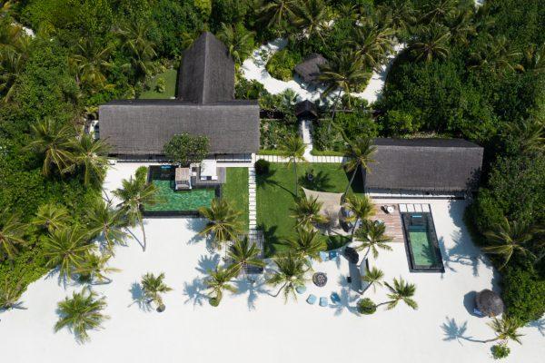 insel-seite-one&only-reethi-rah-grand-sunset-residence-aerial-03-Maledivenexperten