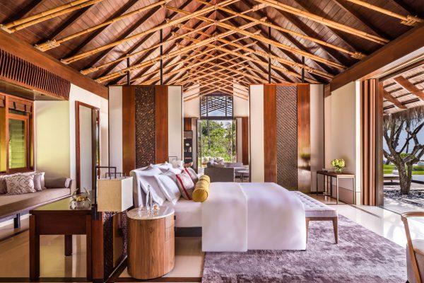 insel-seite-one&only-reethi-rah-grand-sunset-residence-master-bedroom-Maledivenexperte