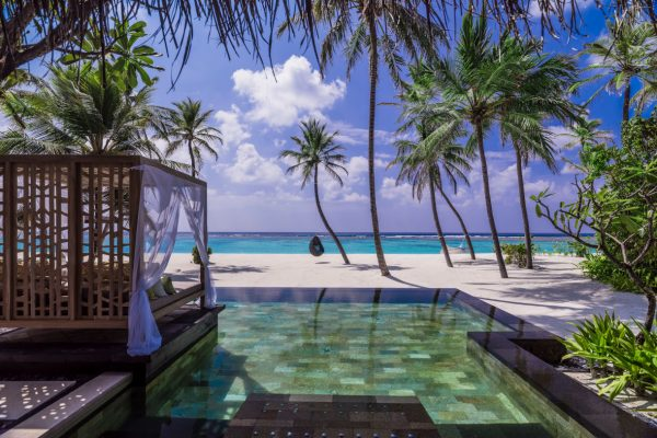 insel-seite-one&only-reethi-rah-grand-sunset-residence-private-pool-02-Maledivenexperten