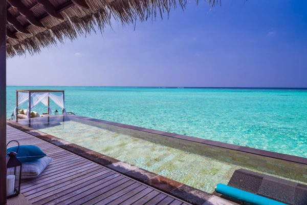 insel-seite-one&only-reethi-rah-grand-water-villa-privat-infinity-pool-01-Maledivenexperte