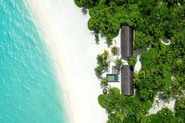 insel-seite-one&only-reethi-rah-two-villa-residence-aerial-02-Maledivenexperte