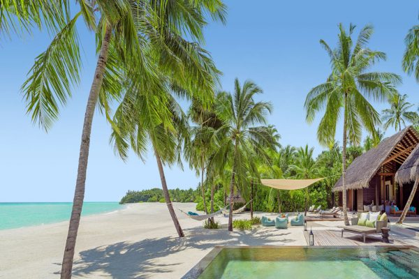 insel-seite-one&only-reethi-rah-two-villa-residence-exterior-03-Maledivenexperte