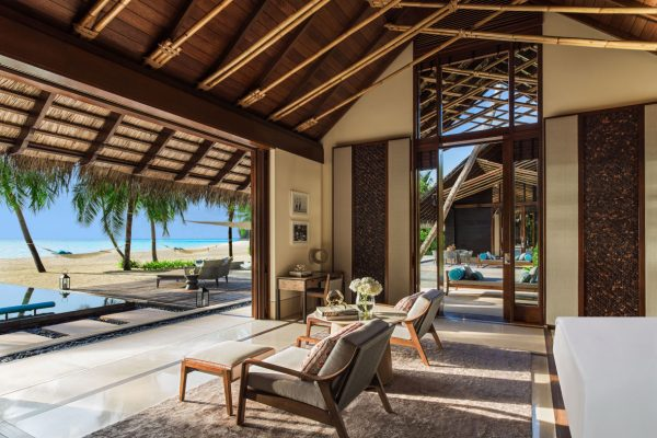 insel-seite-one&only-reethi-rah-two-villa-residence-kingbed-Maledivenexperte