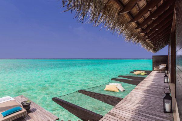 insel-seite-one&only-reethi-rah-water-villa-hammock-02-Maledivenexperte