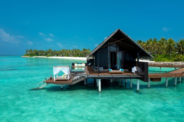 insel-seite-one&only-reethi-rah-water-villa-with-pool-aerial-02-Maledivenexperte