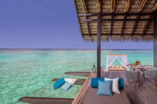 insel-seite-one&only-reethi-rah-water-villa-with-pool-outdoor-deck-Maledivenexperte
