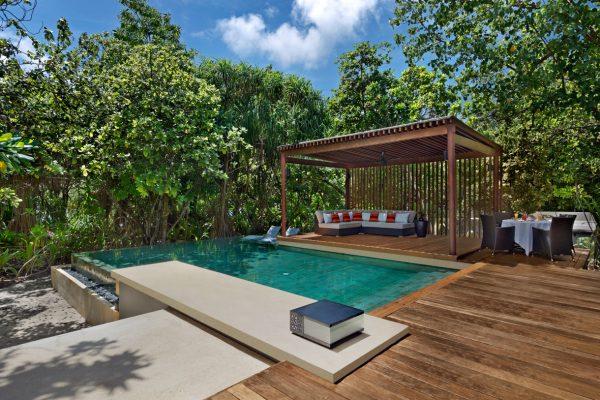 insel-seite-park-hyatt-maldives-2-bedroom-park-pool-villa-deck-Maledivenexperte