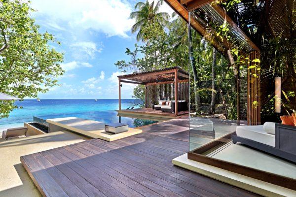 insel-seite-park-hyatt-maldives-deluxe-park-pool-villa-deck-Maledivenexperte