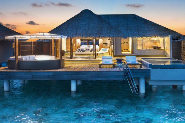insel-seite-w-maldives-fabulous-overwater-oasis-bathroom-Maledivenexperte