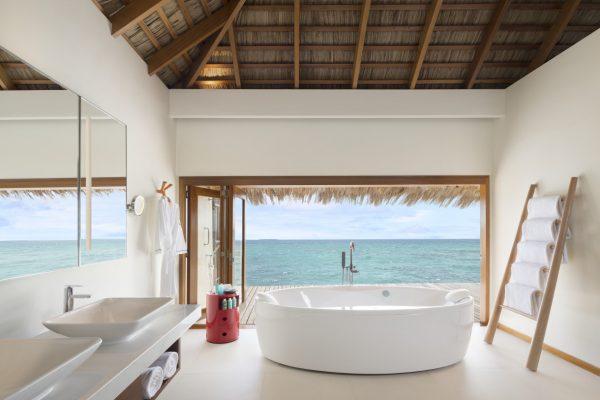 insel-seite-w-maldives-wow-ocean-escape-bathroom-Maledivenexperte