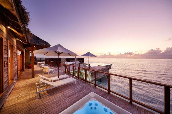 inselseite-conrad-rangali-island-Sunset-Water-Villa-maledivenexperte-04