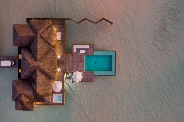 inselseite-conrad-rangali-island-Sunset-Water-Villa-maledivenexperte